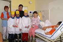 Tříkrálová sbírka v nemocnici.