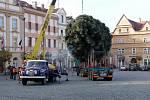 Vánoční strom pro Chrudim přijel z Ostřešan