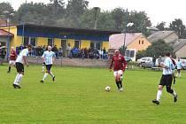 Fotbalové utkání mezi internacionály pražské Sparty a Výběrem okresu Chrudim a křest Sparťanské hospůdky v Bítovanech.