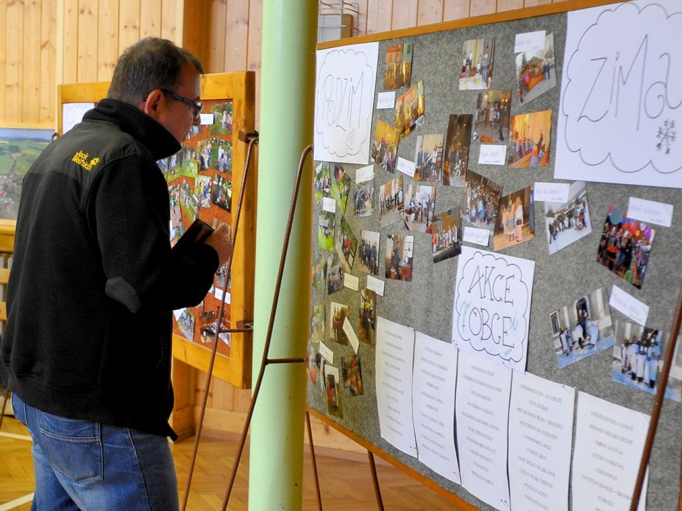V Bojanově to v sobotu žilo hlavně na hřišti. V ukázce požárního útoku se zde představila i místní drobotina.