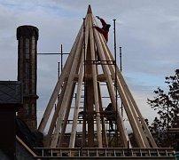 Opravy střechy na zámku ve Slatiňanech