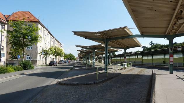 Ostuda Chrudimě: autobusové nádraží existuje už 55 let. Nemění se