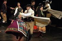 Český lidový soubor Chrudim uvedl premiéru folklorního večera plného tance a hudby s názvem Český tanec.