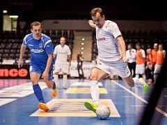 Elitní skupina UEFA Futsal Cupu: Era-Pack Chrudim porazil rumunský Targu Mures 9:1.