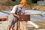 Stavební práce na hospici pro Pardubický kraj, který bude stát v Chrudimi, pokračují.