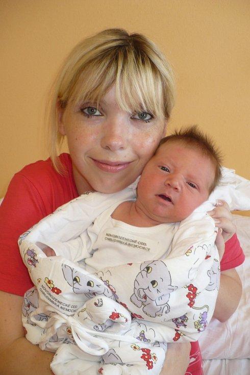 ALAN GEREGA (3,68 kg a 53 cm) se poprvé ozval rodičům Monice a Milanovi z Kostěnic 8.8. v 6:45.