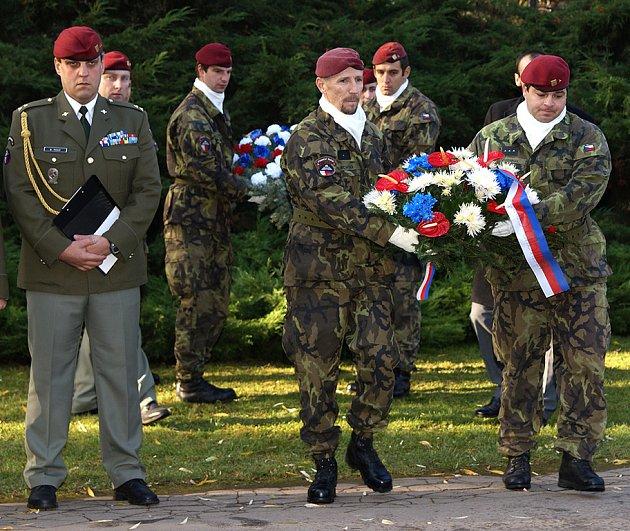 Pietní akce věnovaná vzpomínce a uctění památky vojáků všech válek a válečných konfliktů u pomníku Přísaha v Chrudimi.