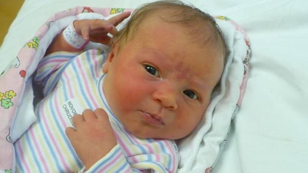 ELIŠKA PILAŘOVÁ (3,78 kg a 49 cm) je od 26.10. od 7:26 jméno prvního miminka Ireny Čermákové a Aleše Pilaře z Ostřešan.