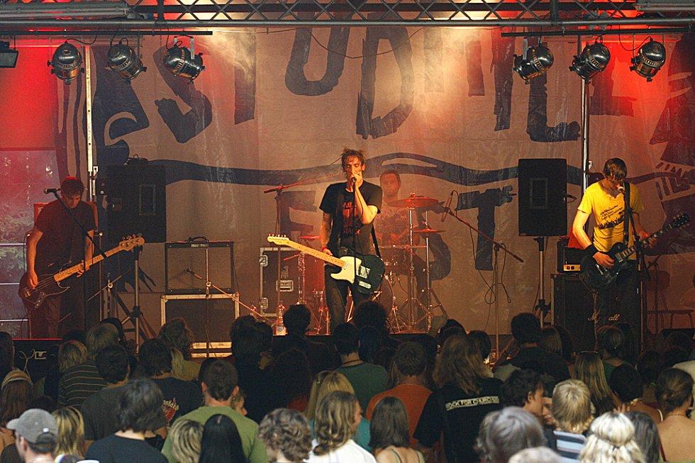 Vrcholem Studnice festu 2008 bylo vystoupení kapely Sunshine.