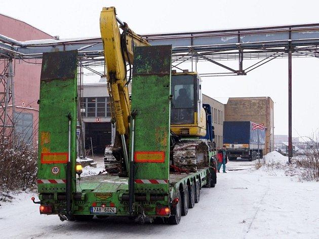 Sanační práce v areálu bývalé Transporty v Chrudimi.