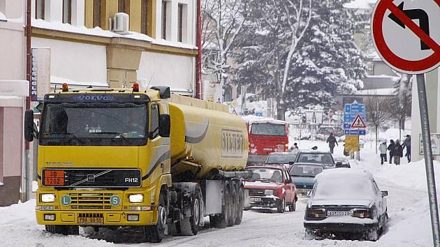 V Hlinsku jsou na hromady sněhu zvyklí. Středa 15. 12. v druhém největším městě okresu
