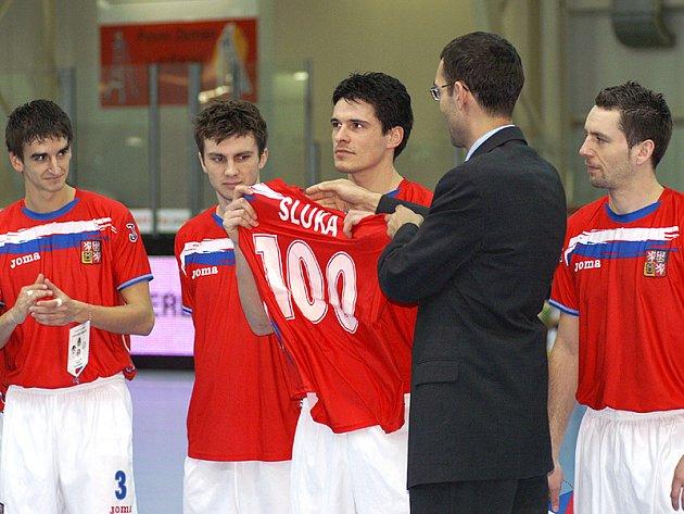 Tomáš Sluka slavil stý zápas v reprezentačním dresu.