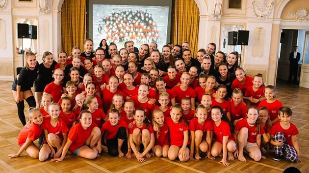 Taneční klub Besta Chrudim zve všechny milovníky tance na závěrečné vystoupení sezóny 2018/2019.
