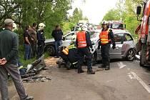 Hromadná nehoda  dvou osobních a dvou nákladních aut  na několik hodin zcela uzavřela 29. května po jedenácté dopoledne  frekventovanou silnici I/37 mezi Nasavrky a Slatiňany.  Dva lehce zraněné účastníky havárie ošetřili přivolaní záchranáři.