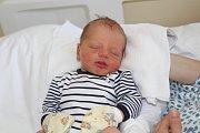 TOMÁŠ MALINSKÝ (2,99 kg a 48 cm) patří od 17.6. od 8:27 do rodiny Petry a Tomáše z Chrudimi a jejich Ondráška (3 roky).