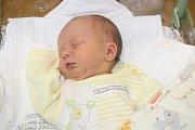 MATIAS ŠTAINZ (2,9 kg a 49 cm) je druhým potomkem Lucie a Jiřího z Prachovic. K šestileté Kristýnce přibyl 12.1. ve 23:47.