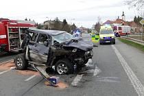 Nehoda si vyžádala jedno těžké zranění.