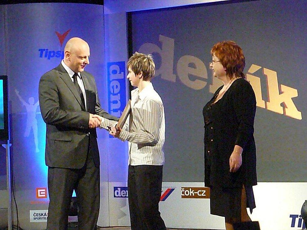 Kristýna Štefcová vyhrála v anketě Nejúspěšnější sportovci Chrudimska hlasování čtenářů Chrudimského deníku, stala se rovněž vítězkou kategorie jednoltivci mládež.