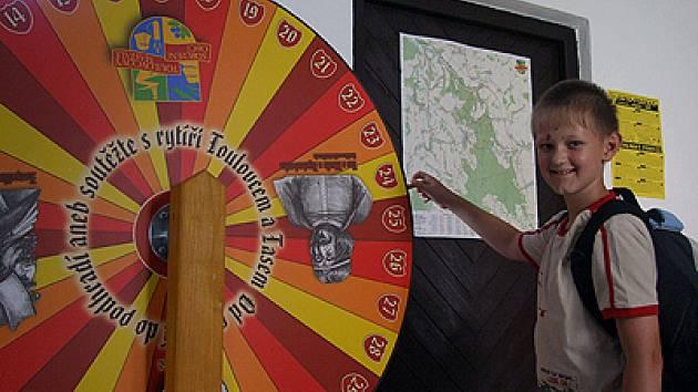 Jan Tománek (na snímku) si na kole štěstí vytočil pěkné tričko.