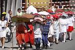 Tradiční studentský majáles slavili 1. května 2012 v Hlinsku.