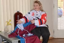 Úspěšná tipérka Jitka Jelínková  se o vyhrané ceny podělí s manželem a synem.