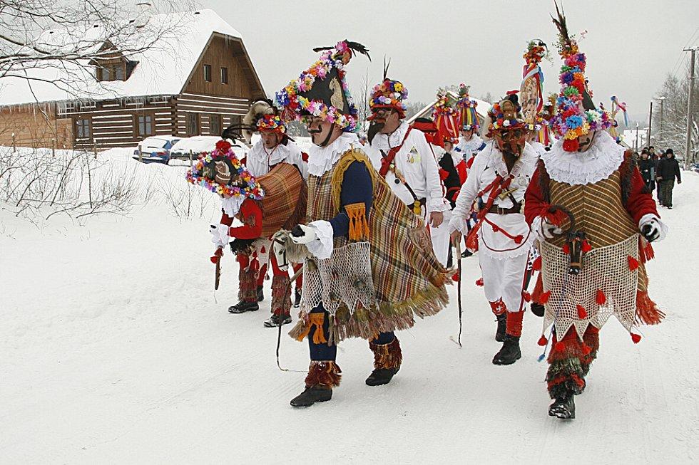 Masopustní obchůzka ve Vortové na Hlinecku.