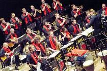 Tradiční podzimní koncert chrudimského hudebního tělesa nabídl nejen swingové melodie.