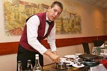 Hotelová škola Bohemia Chrudim spolupořádá a organizuje v pardubické ČEZ Areně ve čtvrtek a v pátek celostátní soutěž mladých odborníků v gastronomii Gastrojunior – Nowaco Cup 2009.