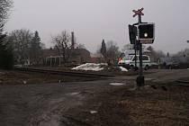 Desetitisícová škoda vznikla při nehodě, k níž došlo mezi páteční 6. a 7. hodinou ranní u železničního přejezdu v Holetíně, kde neznámý řidič poškodil železniční výstražník.