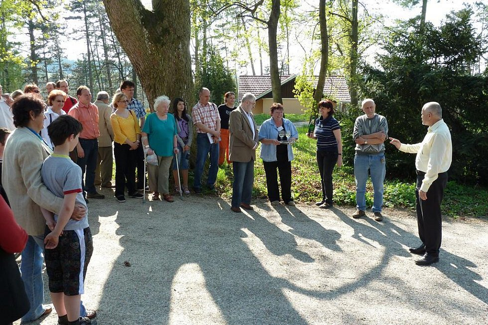 V Hamzově odborné léčebně pro děti a dospělé byl otevřen Hamzův park a arboretum.
