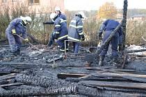 Plameny zcela zničily zahradní domek v Načešicích.