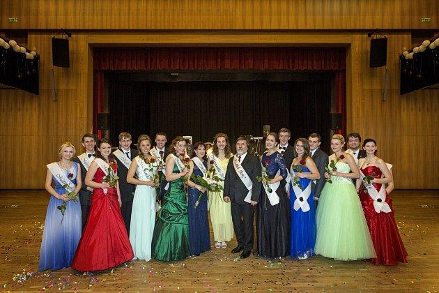 Maturitní ples si v pátek užili gymnazisté z Hlinska.