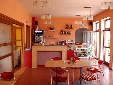 5. Café bar Holetín.