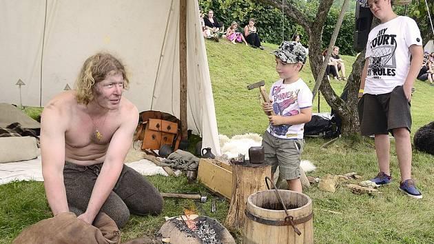 Na nasavrckém zámku a v přilehlých zahradách se v pátek a v sobotu uskutečnil dvoudenní jubilejní 10. ročník festivalu keltské kultury Lughnasad.