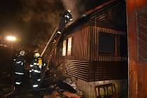 Požár rekreační chaty na Seči