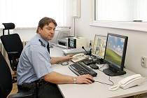 Ve vybavenosti si polepšili i skutečští policisté. Mohou od nynějška pracovat i s moderní počítačovou technikou.