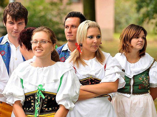 Městys Hrochův Týnec patřil o víkendu oslavám.