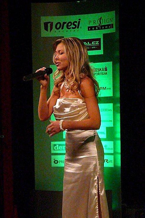 Zpěvačka Monika Agrebi je autorkou oficiální hymny celé ankety.