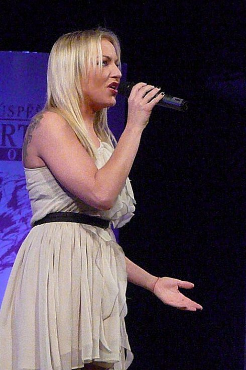 Večer zpestřila svým zpěvem zpěvačka Martina Pártlová.