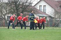 Na startu požárního útoku dohlížel na regule Libor Pilař z Topole. Jeho tým skončil čtvrtý.