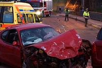 V předposlední den roku došlo v Chrudimi ke dopravní nehodě. Dvě osoby byly zraněny. Řidič červeného sportovního vozidla Hyundai coupe, který nehodu zavinil, byl pod vlivem alkoholu.