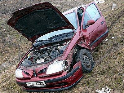 Nehoda dvou vozů na medlešické křižovatce.