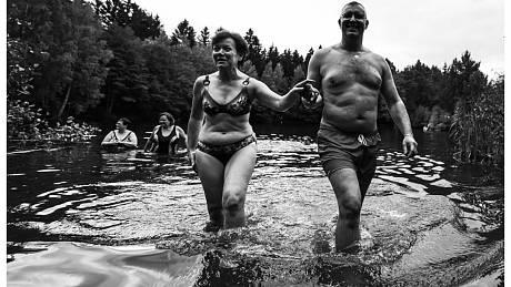 Voda už je chladná, ale vyzkoušeli si ji trénovaní, ale i nováčci.