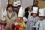 TŘI KRÁLOVÉ prošli Hlinskem  a jeho okolím v režii České katolické charity. . I když ještě neznáme přesnou výši vybrané částky, je jisté, že lidé byli štědří a rádi přispěli do celostátní sbírky