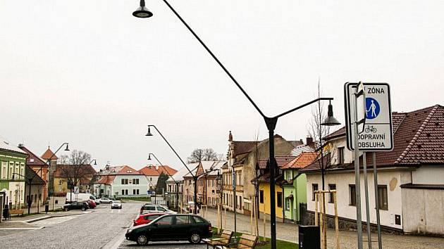 """Náměstí v Nasavrkách se jmenuje prostě jen """"Náměstí""""."""