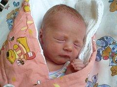 ADÉLKA TRNKOVÁ (2,8 kg a 49 cm) – toto jméno vybrali 22.7. v 19:13 pro svou prvorozenou dceru Lucie a Martin Trnkovi zVysokého Mýta.