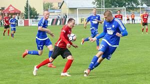 Kapitán Ondřej Kesner (v červeném) vydřel pro chrudimské barvy další bod do druholigové tabulky.