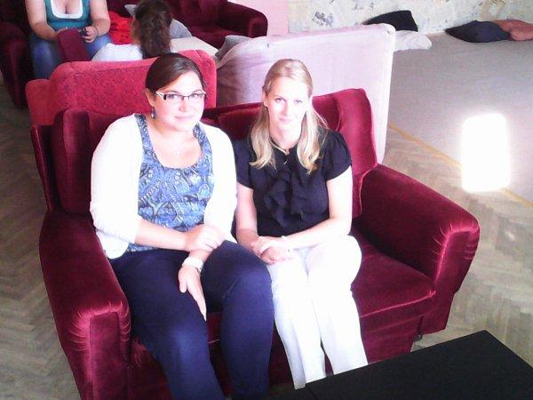 Alžběta Boháčová a Dominika Podvolecká a jsou hlavními iniciátorkami zastavení Terezínské štafety vChrudimi.