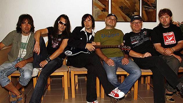 Hudební skupina Ultrablue.