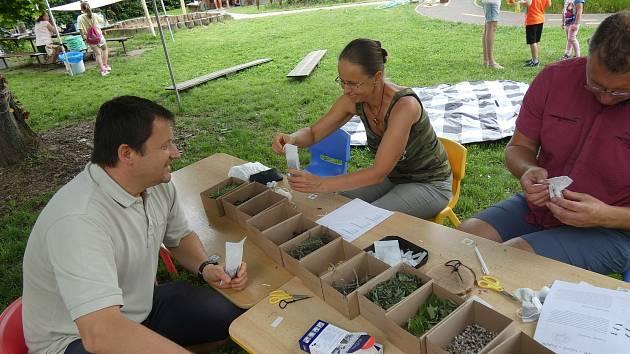 Ukázková zahrada v Mateřské škole Řestoky. Učitelky připravily program pro malé i velké návštěvníky.